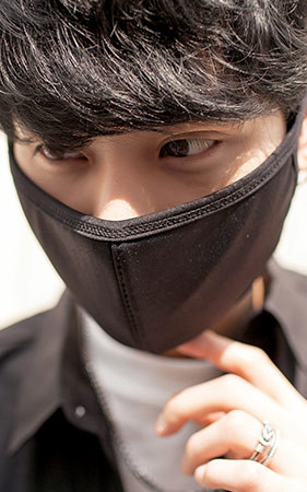ブラック無知マスク