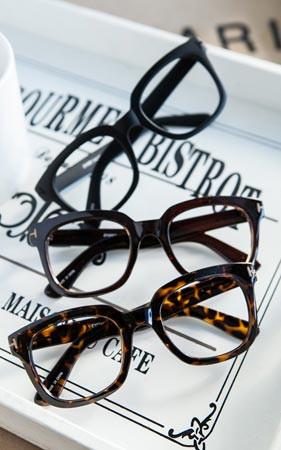無限角のメガネ