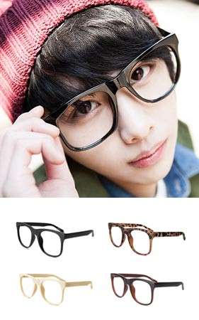 ポリ語四角角のメガネ