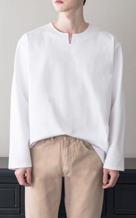 Vひらきスリットテンセルティーシャツ