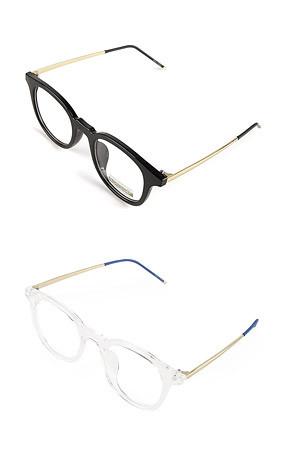 ボールド角のメガネ