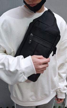 スモールスクエアメッセンジャーバッグ