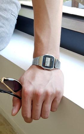 カシオスクエア腕時計