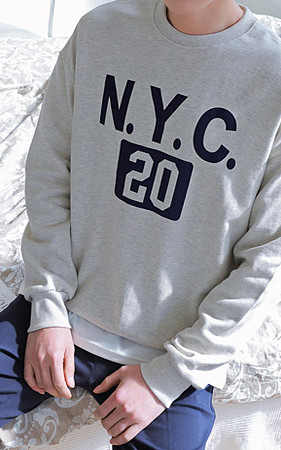 NYCレタリングオーバーフィットスエットシャツ